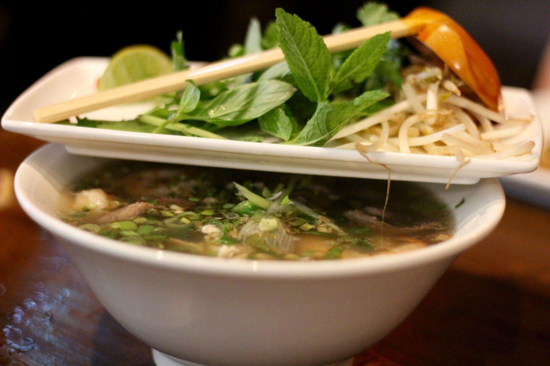 vietnamese street food pho